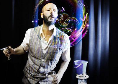 performer-billy-bolla